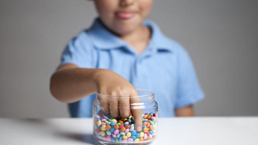 Норма сахара в крови у детей 6 лет: какой уровень нормальный и ...