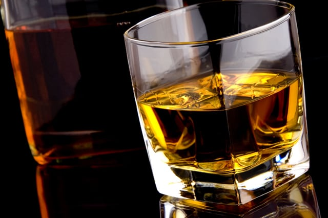 Повышает ли алкоголь сахар в крови: можно ли пить водку при ...