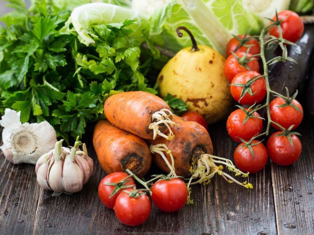 Как питаться при повышенном холестерине в крови: что полезно ...
