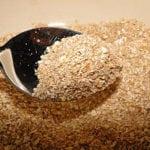 Как употреблять отруби при повышенном холестерине?